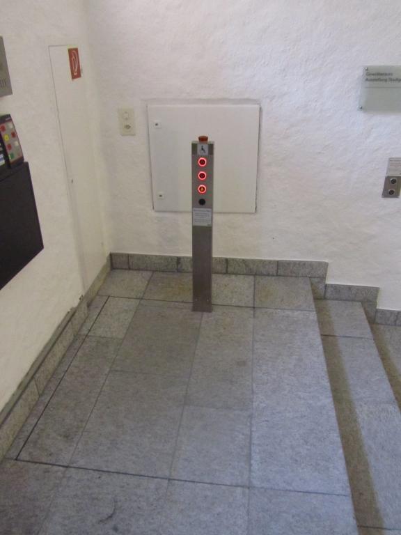 ATC Hebebühne  Högg Liftsysteme AG